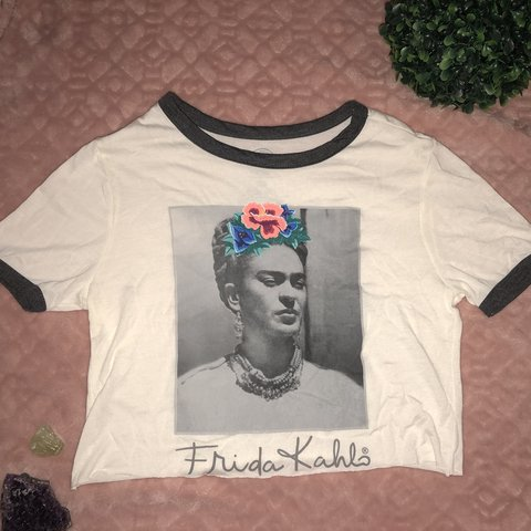 922b7a2e @vintageremade. 7 months ago. Southern Pines, United States. cropped Frida  Kahlo t-shirt