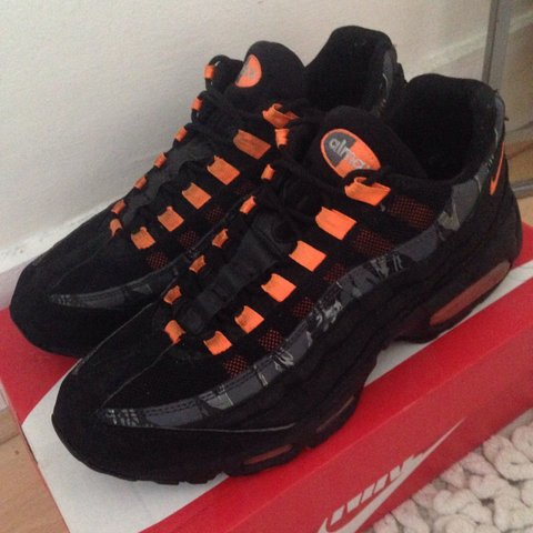 191f8d4a6c130 Air Max 95 SI. 8 10 condition. Very comfortable. Offers or 1 - Depop