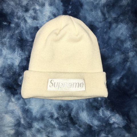 9753ddfaaba63 Supreme x New Era Beanie •deadstock never worn •StockX gone - Depop