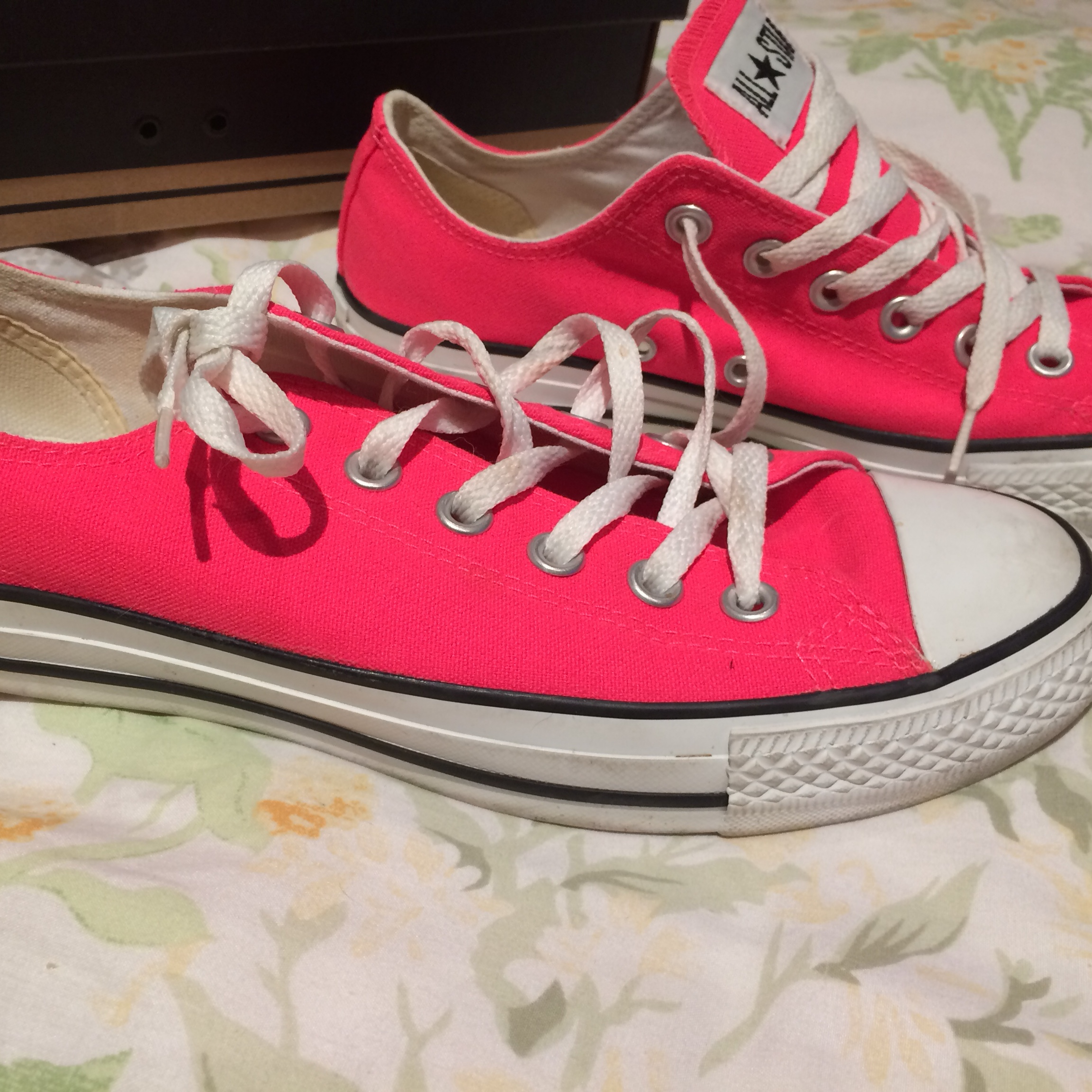 d0fc38f7e681 Bright pink ladies converse. I have only worn these once. 39 - Depop