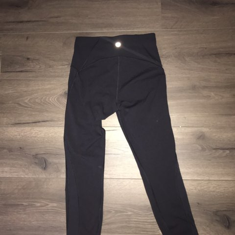 2102838a583b0 lulu lemon medium size leggings 10/10 condition worn once - Depop