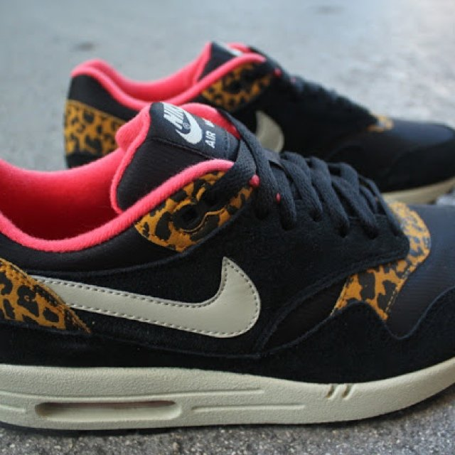 nike air max leopard print black and pink trimmed, rrp:110€ - depop