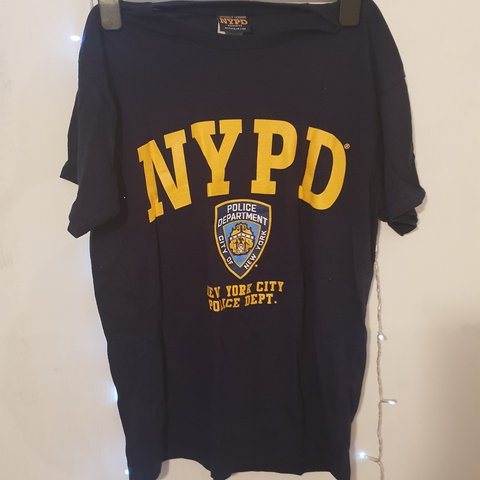 f1dc59583 OFFICIAL NYPD TSHIRT FROM AMERICA. ALIGHT MARKING AS AEEN - Depop