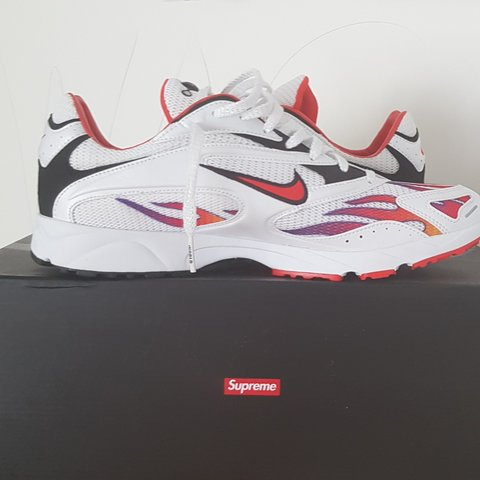 5536255e499bd Nike Supreme Zoom Spectrum Plus White Flames Size US 10   UK - Depop