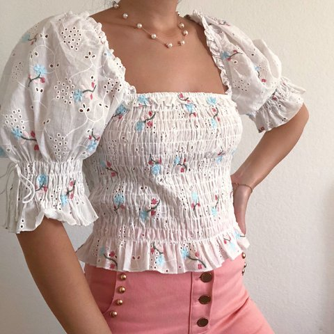 The Cutest Vintage Style Milkmaid Lace Floral Puff Sleeve
