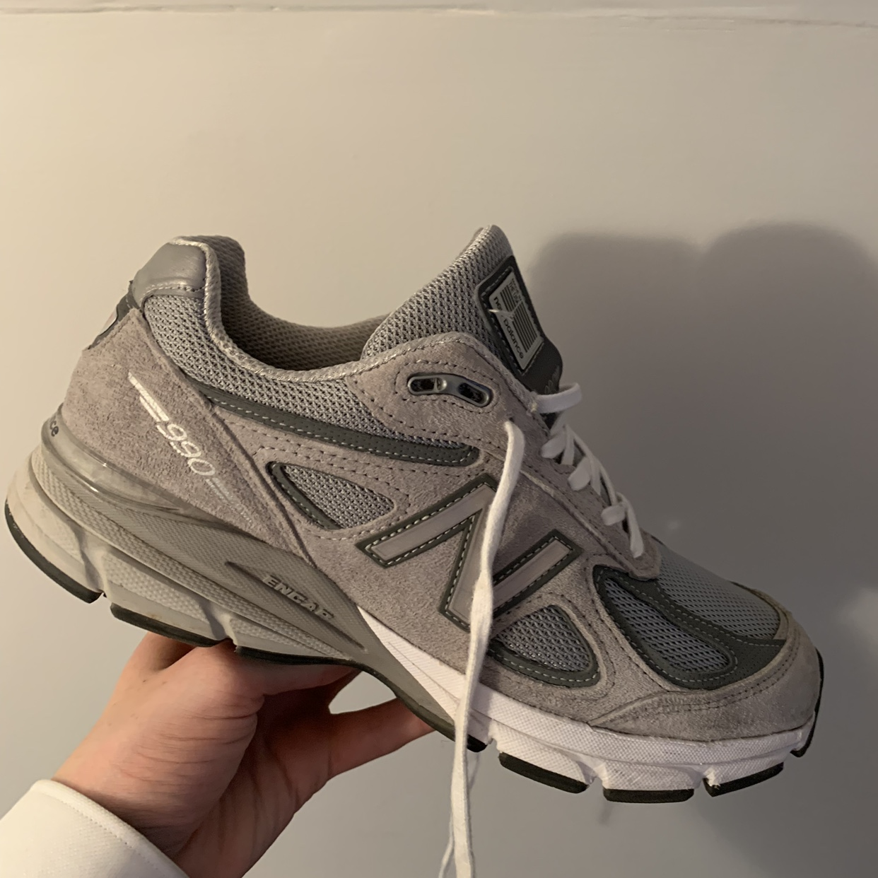 New Balance 990 V4 in a size 7. Great