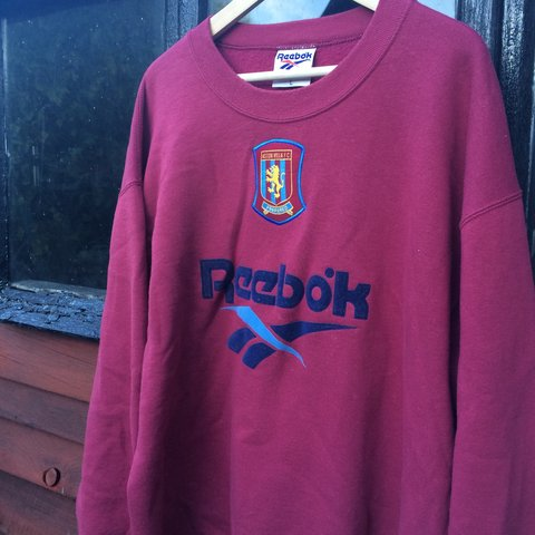 reebok jumper. vintage reebok aston villa training sweatshirt jumper (small spotted marks on front of jumper, may wash out, very unnoticeable, see pic 3)// large e