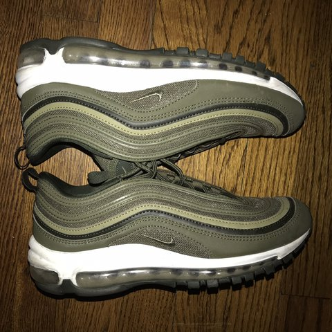 cfbf0f7ca8 @lizzymccuan. last month. Chicago, United States. Nike Air max 97 barely  worn ...