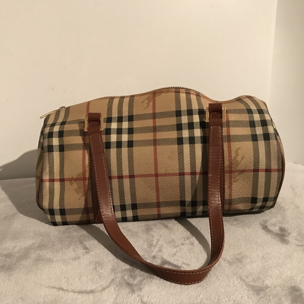 Genuine Burberry barrel bag. Bought f9e3457c93056