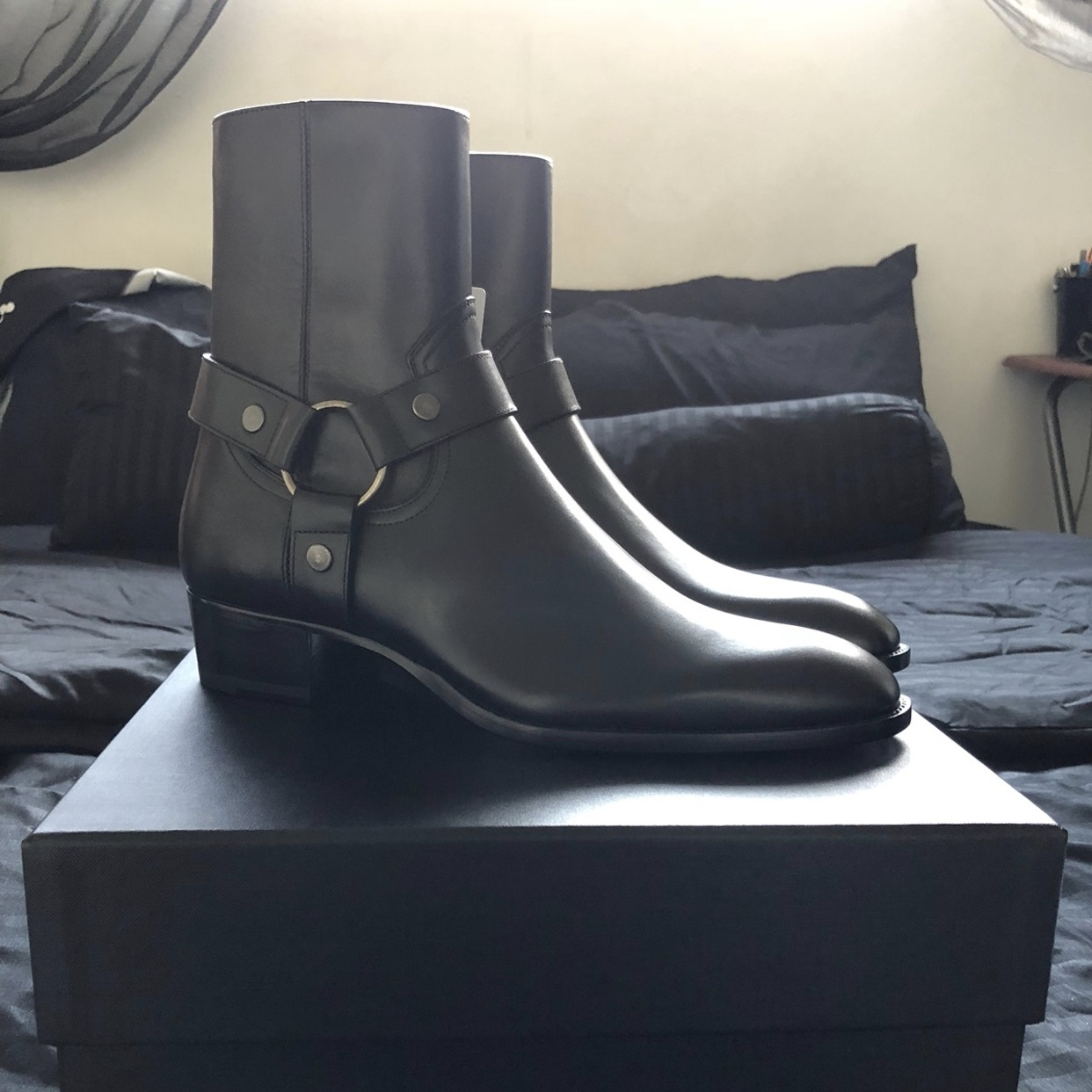 SLP WYATT BOOTS IN SIZE 42 Cleaning out