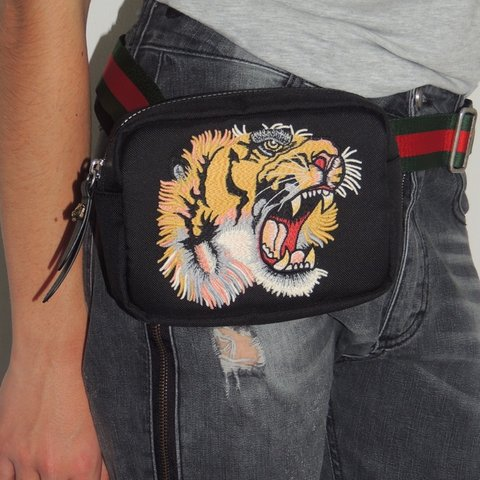d1ebd49c989 Additional photos for Gucci unisex belt bags . Come with