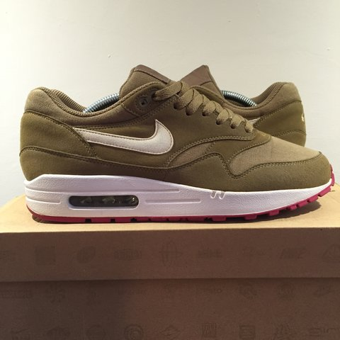 29c83785cf7 Nike air max 1 kelp In excellent condition well looked after - Depop