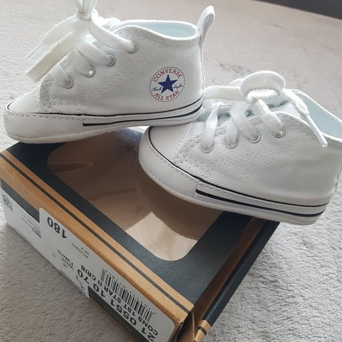 36b180ae169 Baby converse UK 2 soft bottoms White Like new - Depop
