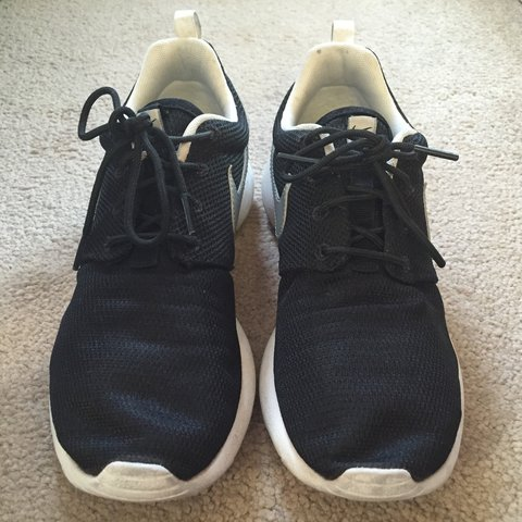 4a9696a3f521a Black Nike Roshe Run with Silver Tick in UK 5.5