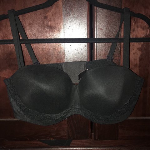 bc3e11299ec61 Victoria Secret (body by Victoria) lined strapless bra. used - Depop