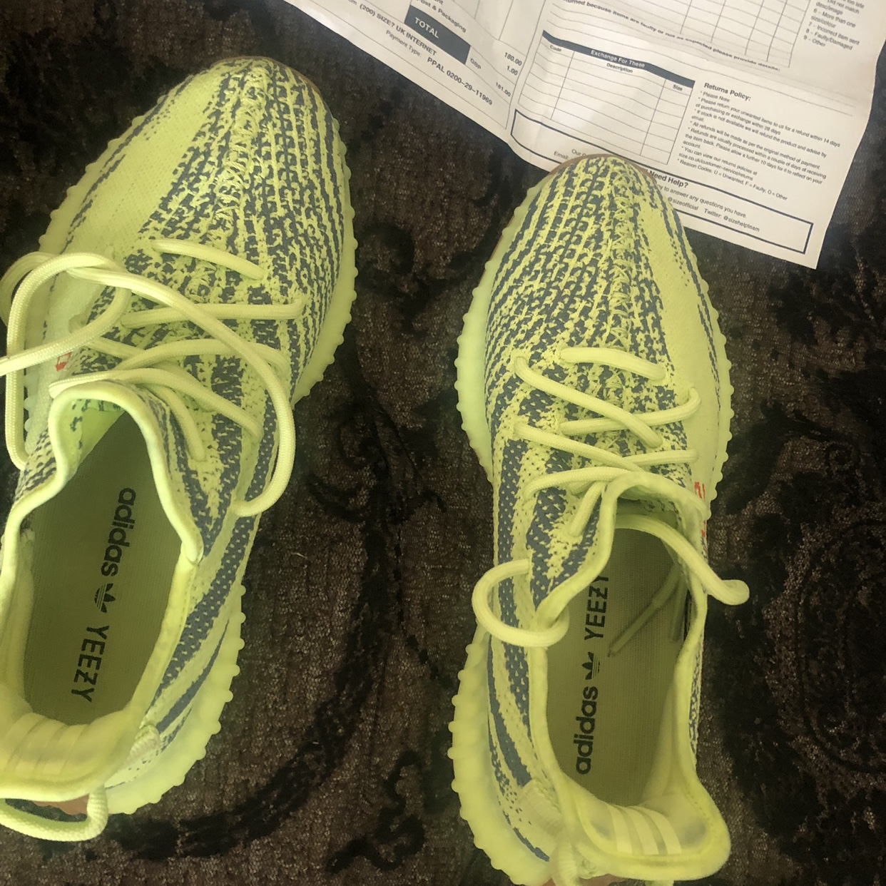Yeezy boost 350 lime green/yellow. Size