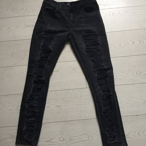 8656f00ef01 Levi's ripped high rise skinny jeans. Never worn from ASOS. - Depop