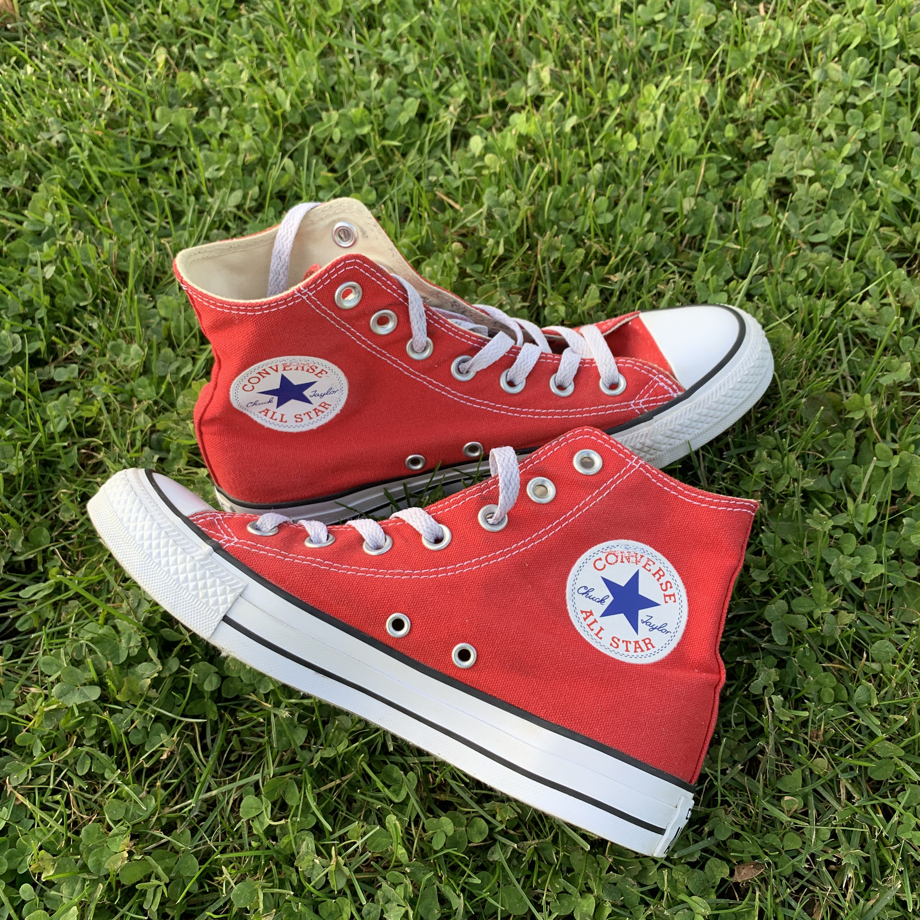 red converse womens size 7