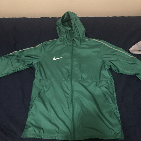 43144758a18 @kenmen. last month. United States. BRAND NEW, GREEN Nike Park 18 Rain Jacket  Windbreaker ...