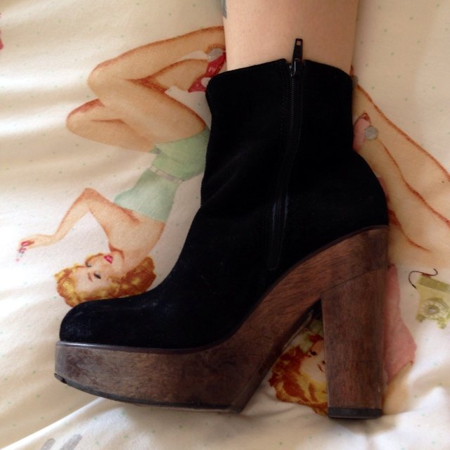 e693b4fd1e5 Listed on Depop by lolablackheart