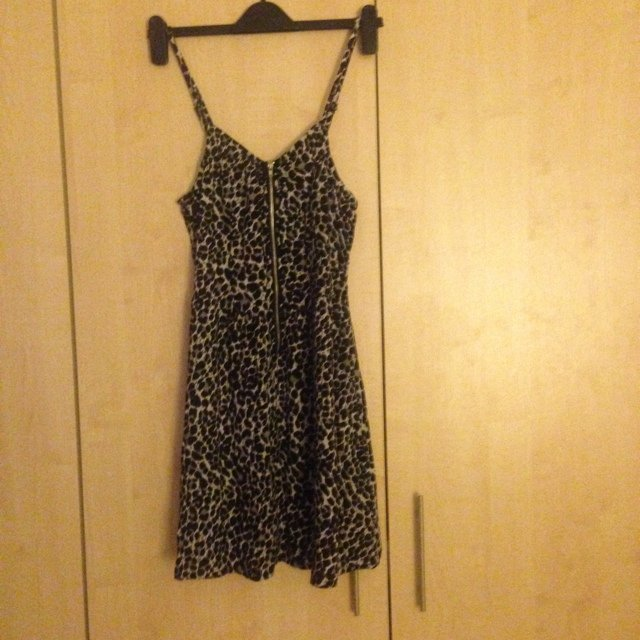 39c0272fed9c @katyhenstockxx. 5 years ago. Manchester, United Kingdom. H and m leopard  print dress ...