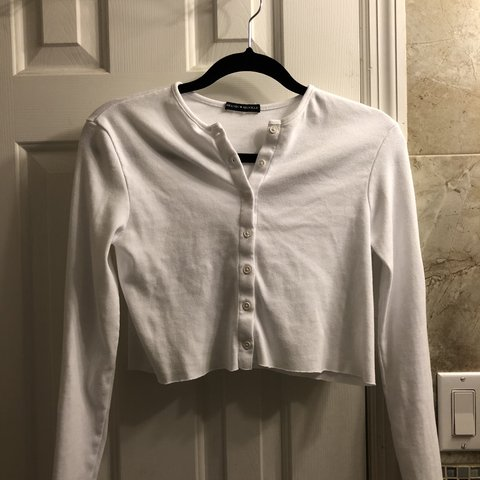 34ccb44a15b8 athelia knit top white button up long sleeve crop price  + - Depop