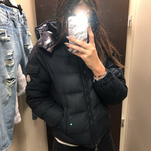 2991cd5b960d Navy moncler coat size 12 kids but fits women s size 6 8. be - Depop