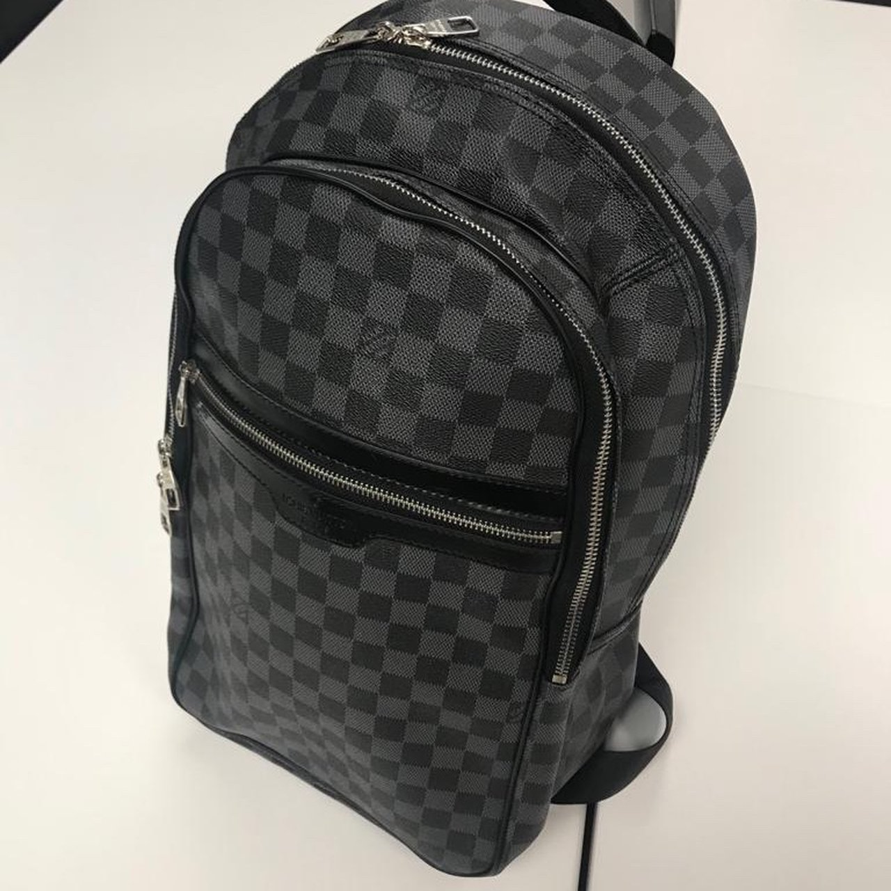 74c867247abc Louis Vuitton