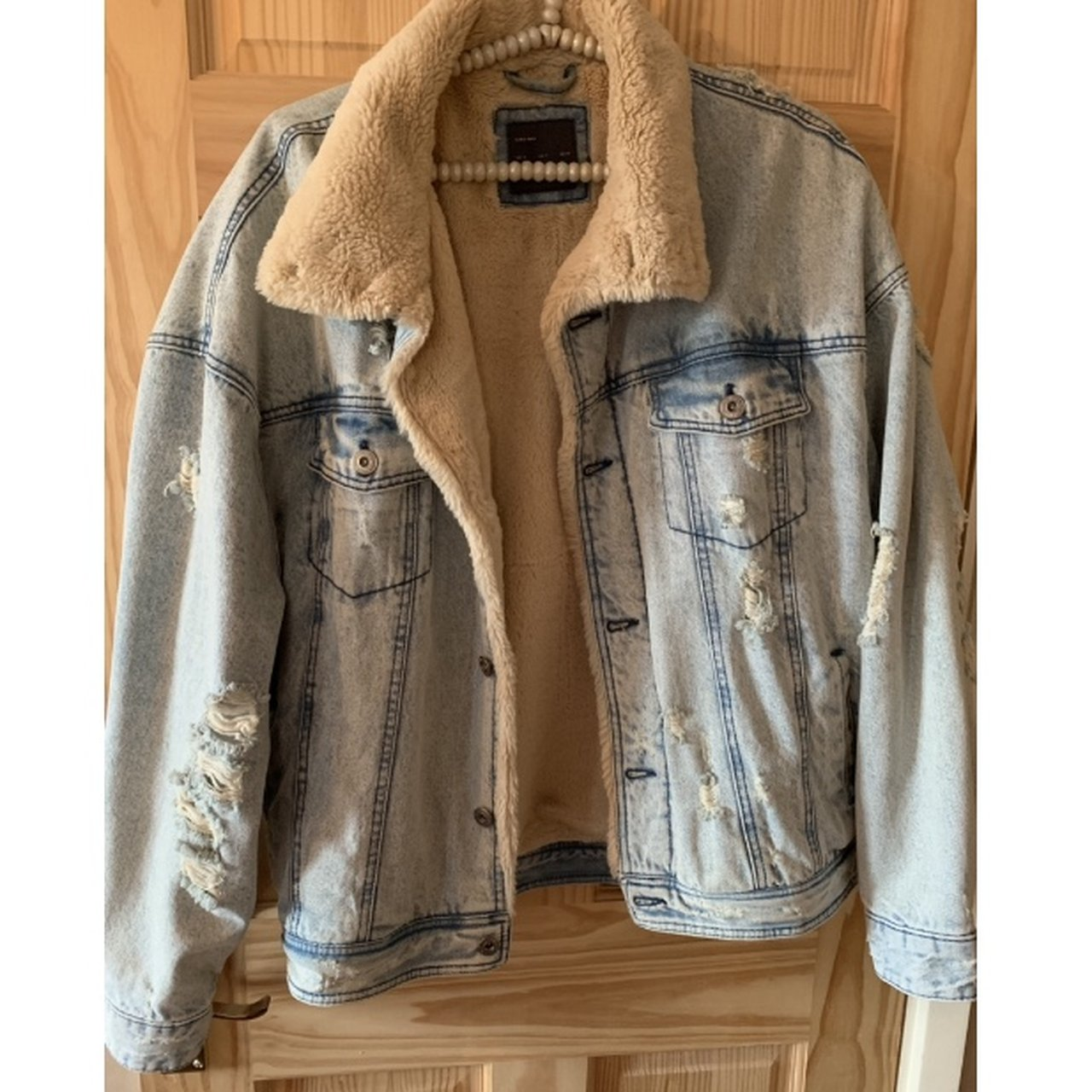 c069a2f5 Zara Ripped Denim Jacket Size: Only 🇬🇧 Really nice and - Depop