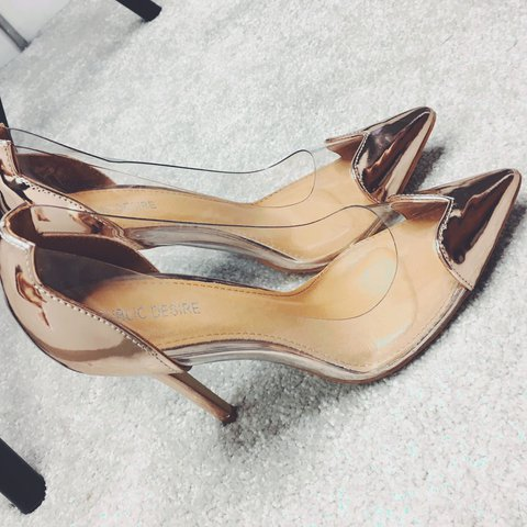 3f29221ec7 Public Desire Rose Gold Heart Shoes Size 5 Only worn once - - Depop