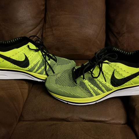 8106c2181591 Nike Flyknit Trainers - VOLT SKU - 532984 700 Used