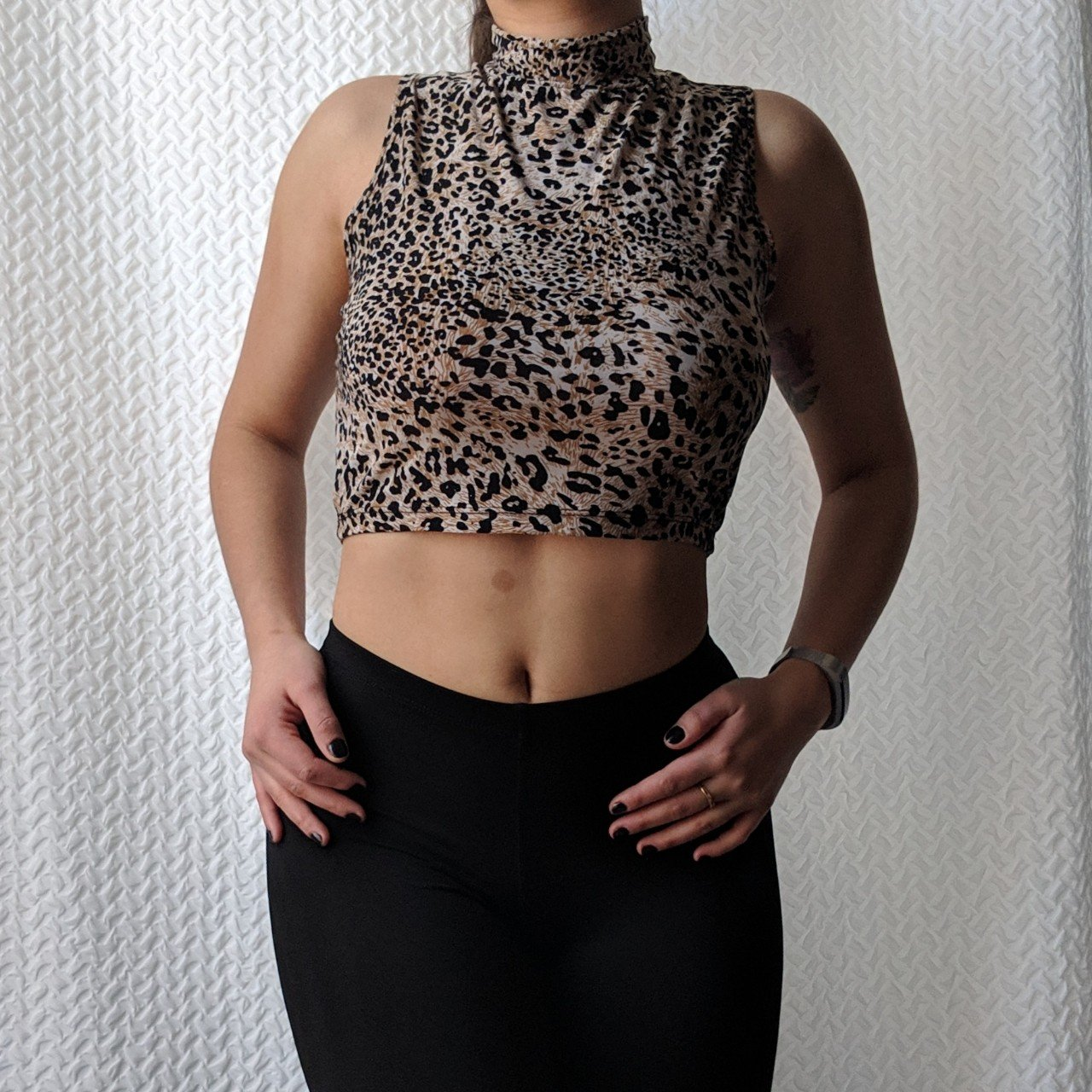 81d7f37b96a49 F21 Leopard Crop Keyhole back Slinky and light Mock neck - Depop