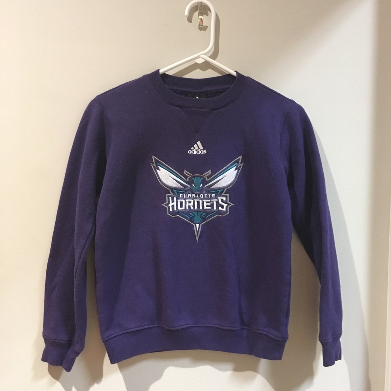1f8893dbc Selling a Adidas Charlotte Hornets stitched crew neck Used