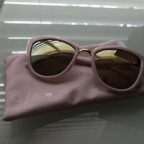 1eeeb349b4199 Too Faced x Quay pink and gold sunglasses. Never worn but of - Depop