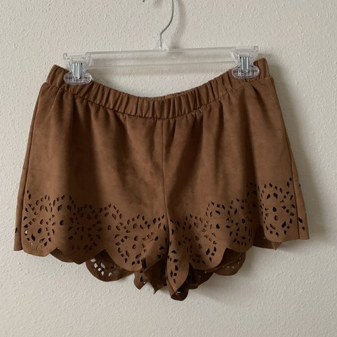 cc0435e65 suede brown flowy shorts with a stretchy waist band, super M - Depop
