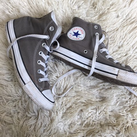 5dde56f6254132 grey high top converse. UK size 5.5. hardly worn so in good - Depop