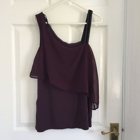 b64754fdfb1ab1 New look deep purple of the shoulder style top with strap in - Depop