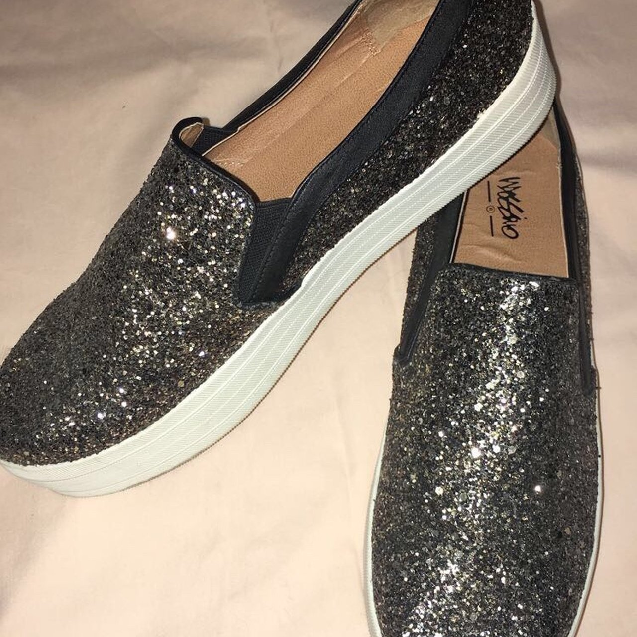 b19386b1dc0f 🖤⭐️Super Sparkly Slip On Shoes⭐ 🖤 Size 11. Great barely - Depop