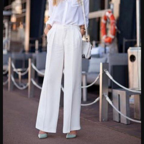 1c7d05edcae3 @amymorrris. last year. Rogerstone, United Kingdom. White wide leg linen  Zara trousers.