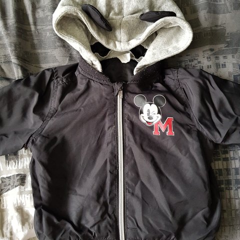 acbb20ce5 Baby boy h&m Mickey bomber jacket with detachable hood 6-9 - Depop