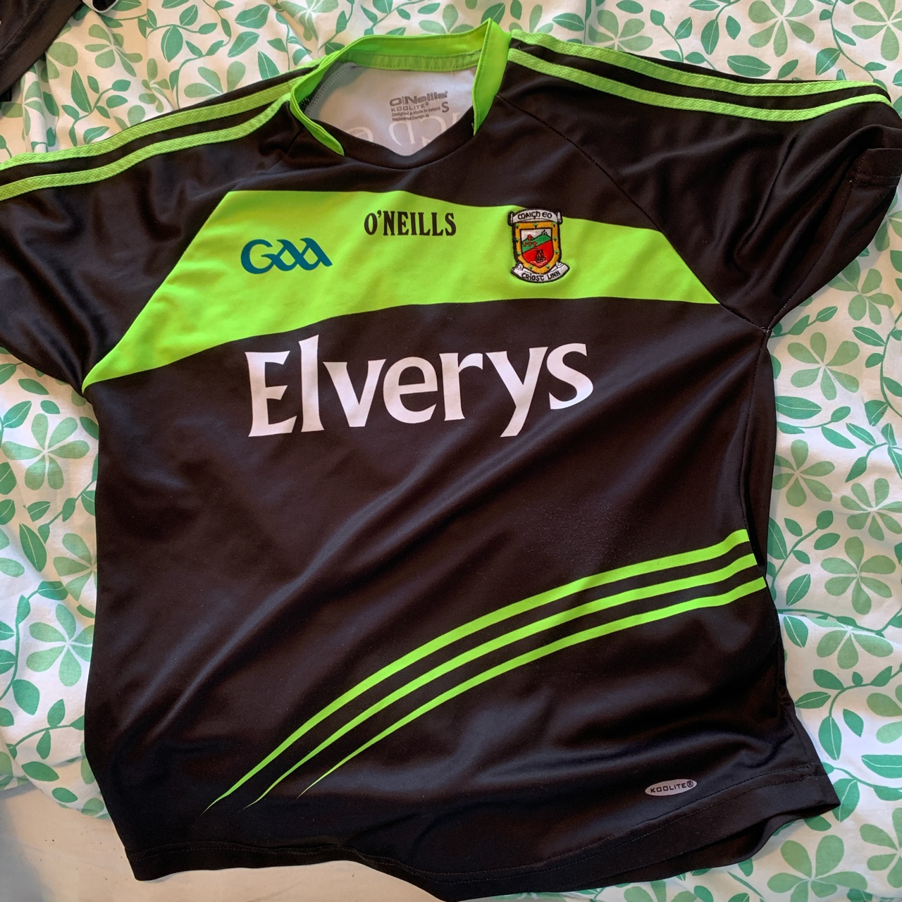 Black and green mayo jersey, size small but would...