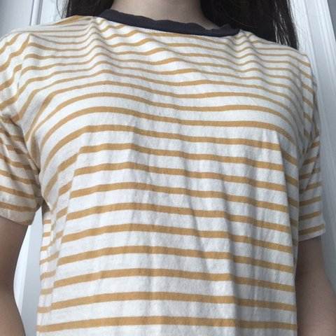 847724e515dd3c 🌟SLIGHTLY CROPPED WHITE AND YELLOW STRIPED T-SHIRT W  BLUE - Depop