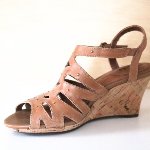 5020b076493f Clarks Tan Leather Strappy Cork Wedge Sandals Size US in on