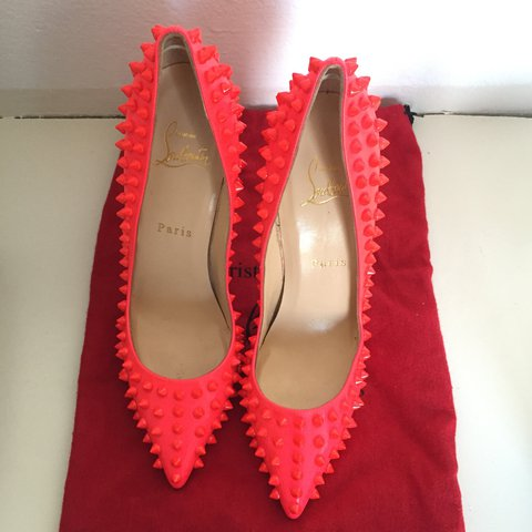 c96106ce81e8  wies. 15 days ago. Nederland. Christian Louboutin pigalle neon spikes