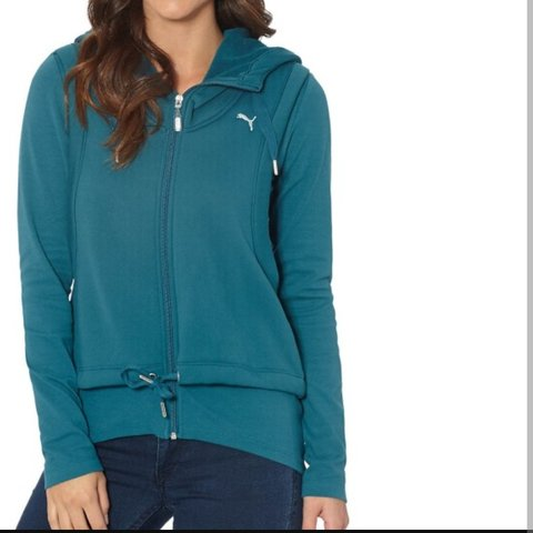 d76b1d668e28 Women s Puma Active Forever Layer Jacket Size M Regular - Depop