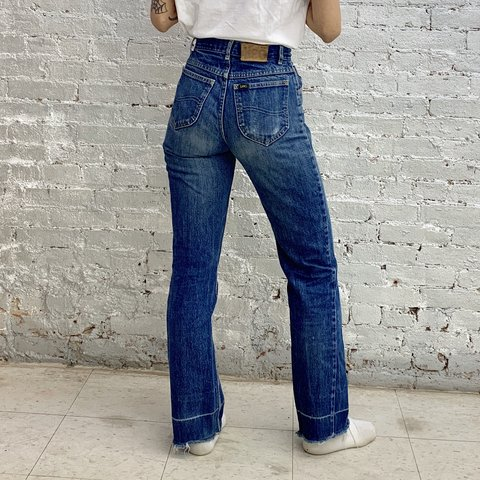 455169d9 @masamihosono. 3 months ago. New York, United States. Lee bell bottom jeans  ...