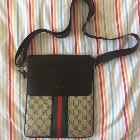 b2f02de2af3 👊🏻 Get your hands on this REAL ASS Gucci Gucci side bag • - Depop