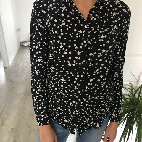 37d09abf0d781e @zsparkes. 10 months ago. Eastleigh, United Kingdom. Jack Wills womens star  print blouse. Black with white ...