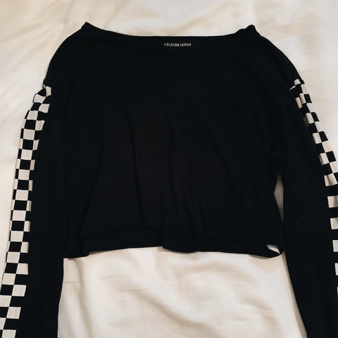 4a4adbb4073 @suhmre. 4 days ago. Tracy, United States. Fashion Nova Black Checkered  Long Sleeve Crop Top