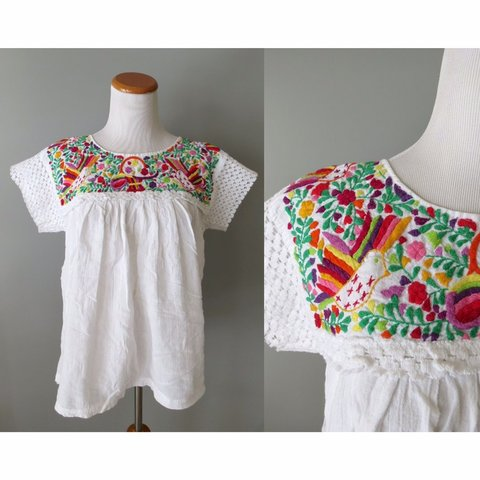 4427e779b1 Beautiful vintage embroidered Mexican blouse from the white - Depop
